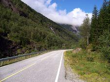 Free Norwegian Road, Green Mountain Stock Photography - 3052022