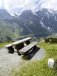 Free Wooden Bench - Alps Royalty Free Stock Photography - 3059547