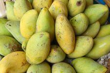Free Mangos Royalty Free Stock Photography - 30515967