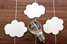 Free Light Bulb With White Speech Bubbles Stock Photos - 30519003