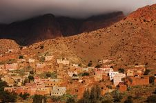Free Berber Village Under Cloud Royalty Free Stock Photography - 30531007