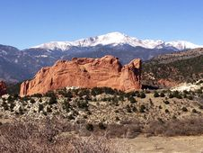 Red Rock W/Pikes Peak Stock Photos