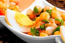 Free Salad Of Chickpeas, Herbs, Eggs Stock Photos - 30596383