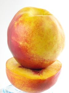 Free Peach & Half Peach Stock Images - 3063714