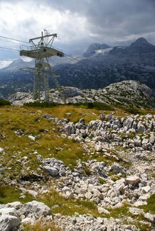 Free Alpine Cable Way Royalty Free Stock Photo - 3066195