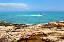 Free Sea With Rock At Day Time Stock Image - 30610601