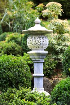 Free Japanese Garden Lamp Stock Photography - 30629012