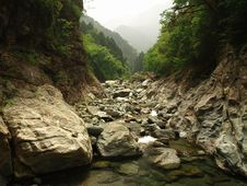 River In The Mountains In Japan Stock Photos