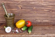 Free Set Of Vegetables, The Mortar And Pestle Stock Image - 30647671