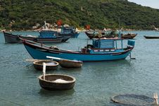 Free Fishing Boats And Coracles In The Bay Stock Photo - 30675100