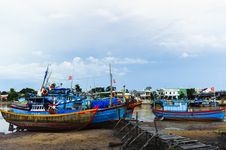 Free Fishing Boats In Harbor With The Jetty At Foreground Stock Images - 30676284