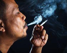 Free Close Up Man Smoking Royalty Free Stock Images - 30678089