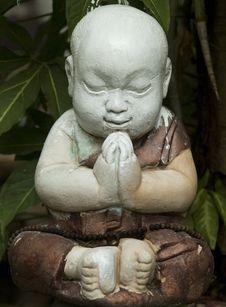 Free Praying Child Sculpture Royalty Free Stock Photos - 3076588