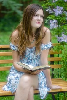 Beautiful Girl Reading Stock Photography