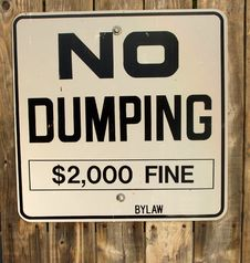 Free No Dumping Sign Royalty Free Stock Image - 3077486
