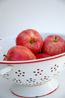 Free Red Apples In White Colander Stock Images - 3078604