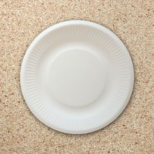 Free Empty White Plate On Cork Board Stock Photos - 30700353
