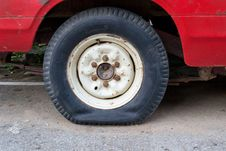 Free Flat Tire Stock Photography - 30700462
