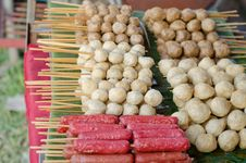 Free Meatballs And Hotdog Fried Stock Images - 30701264