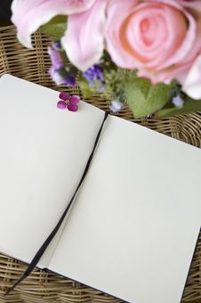 Free Blank Page With Flowers Stock Photography - 30702532