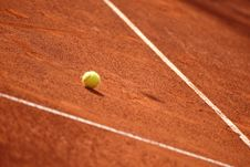 Free Tennis Court With Tennis Ball Royalty Free Stock Photo - 30717845