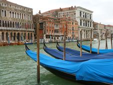 Free Venice - Gondolas Royalty Free Stock Photos - 30730018