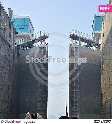 Free Lock Gezhou Dam In Action Royalty Free Stock Photography - 30745397