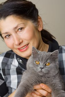 Free Pretty Woman With A Cat Royalty Free Stock Image - 30757566