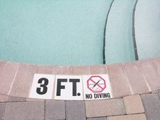 Free No Diving Royalty Free Stock Photo - 30772635