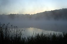 Free Misty Morning Royalty Free Stock Images - 3087599