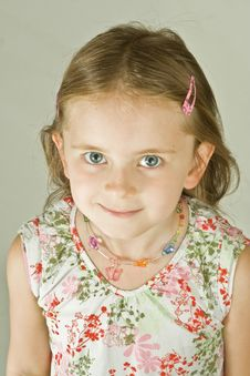 Free Smiling Young Girl Stock Photos - 3088283