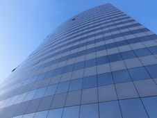 Free Blue Sky And A Skyscraper Royalty Free Stock Photos - 30816008
