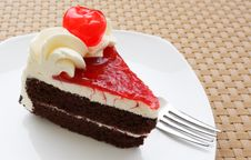 Chocolate Cake And Fresh Cherry Royalty Free Stock Photography