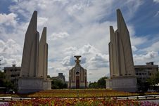 Free Democracy Monument In Bangkok Royalty Free Stock Images - 30820839
