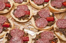 Free Mini Pizza Loaves Royalty Free Stock Photography - 30824647