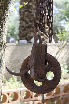 Free The Old Rusty Pulley Stock Images - 30825374