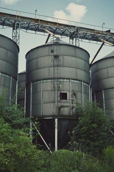 Free Old Factory Ironworks And Silos Stock Images - 30900514