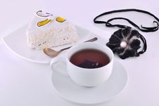 Free Black Tea And A Slice Of Cake On A Plate Royalty Free Stock Photo - 30923045