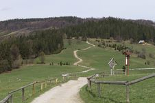 Free Hiking Trail In The Polish Mountains Royalty Free Stock Photos - 30933558
