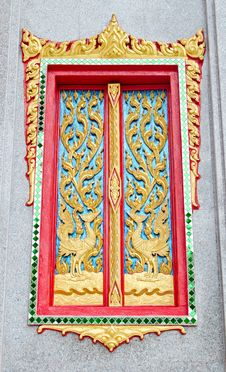 Free Golden And Red Thai Temple Door Sculpture Stock Image - 30940441