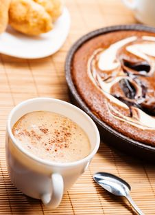 Free Breakfast With Coffee And Pie Royalty Free Stock Images - 30947789