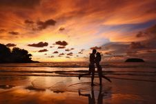 Free Silhouettes Of Lovers Stock Photo - 30964900