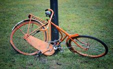 Free Orange Retro Bicycle Stock Photos - 30972863