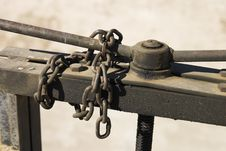 Free Chain And Sluice Royalty Free Stock Photos - 310978