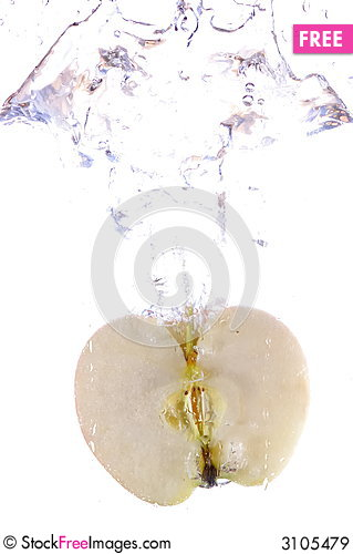 Free Apple Splashing Royalty Free Stock Images - 3105479