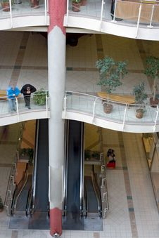 Free Multilevel Shopping Mall Royalty Free Stock Photography - 3100597
