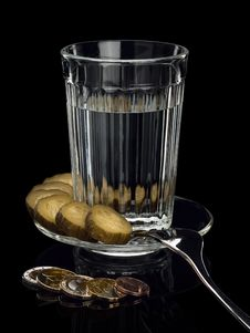 Free Alcohol In A Glass With Snack And EURO Coins. Royalty Free Stock Photography - 31011007