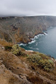 Rugged Cliffs Overlooking Ocean On Santa Cruz Island Stock Images