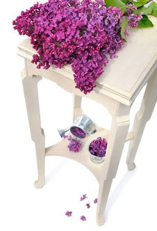 Free Lilas On Little Table Royalty Free Stock Photo - 31028195