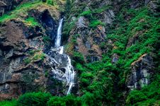 Free Tropical Mountain Landscape Waterfall Stock Images - 31043494